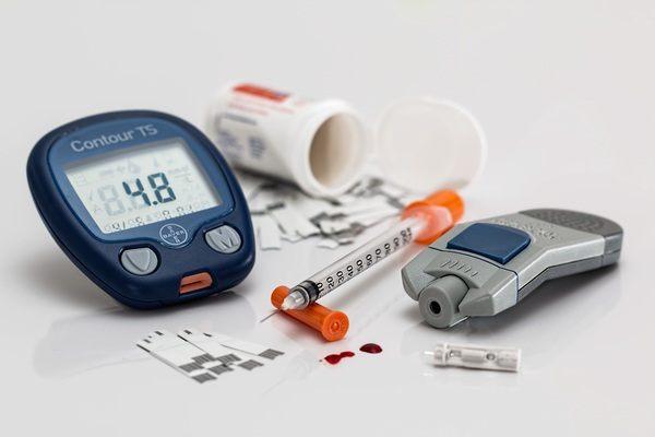 كيف تقوم بضبط جرعات دواء السكري في رمضان؟