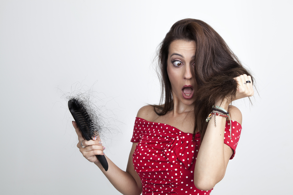 أسباب وعلاج تقصف الشعر من الأمام